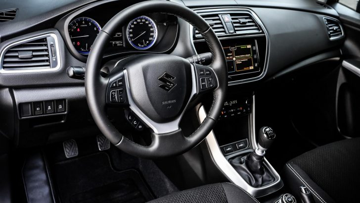 2017-Maruti-Suzuki-S-Cross-facelift-interior-unveiled