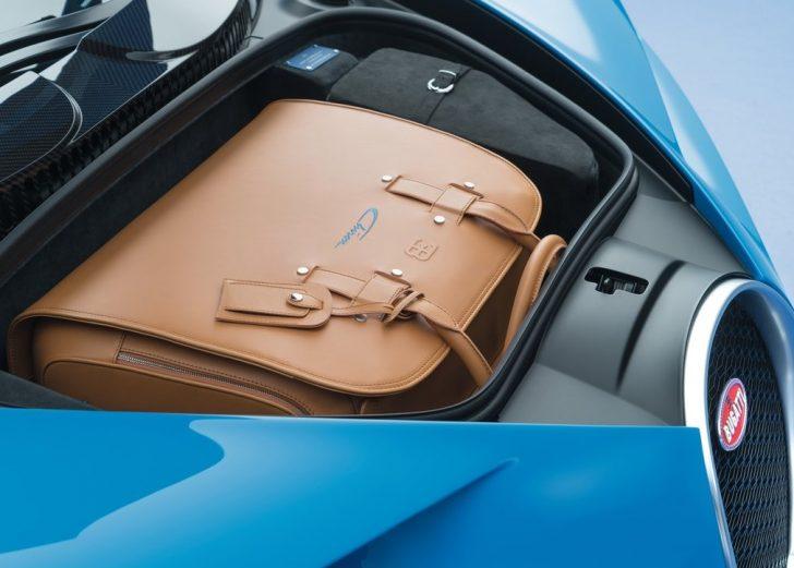 Bugatti Chiron (2017)8