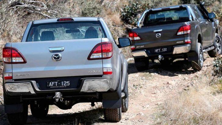 Mazda-BT-50-4x4-2015-rear