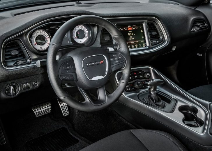Dodge Challenger TA (2017)1234567