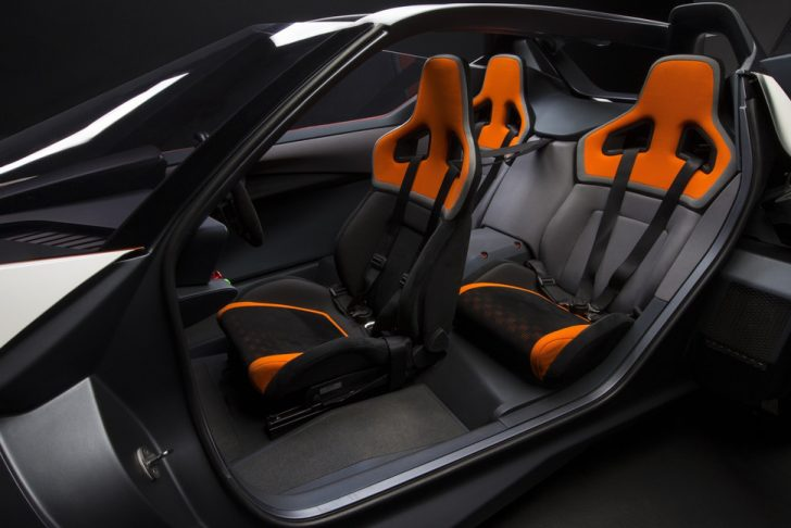 nissan-bladeglider-brings-cutting-edge-intelligent-mobility-to-l-13-970x647-c