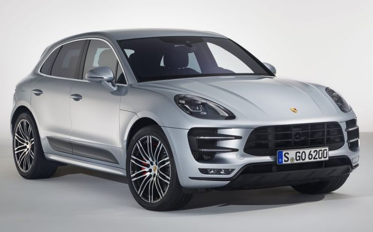 Porsche Macan Turbo with Performance Package (2017)1