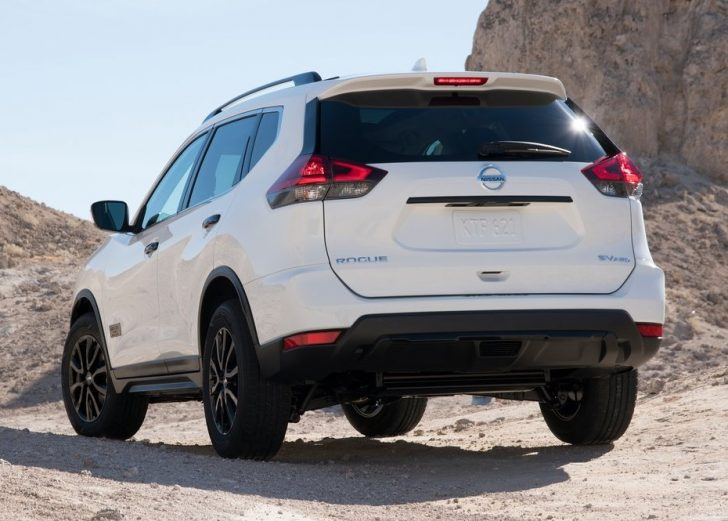 nissan-rogue-one-star-wars-edition-2017-picture-9-of-47-1024x768