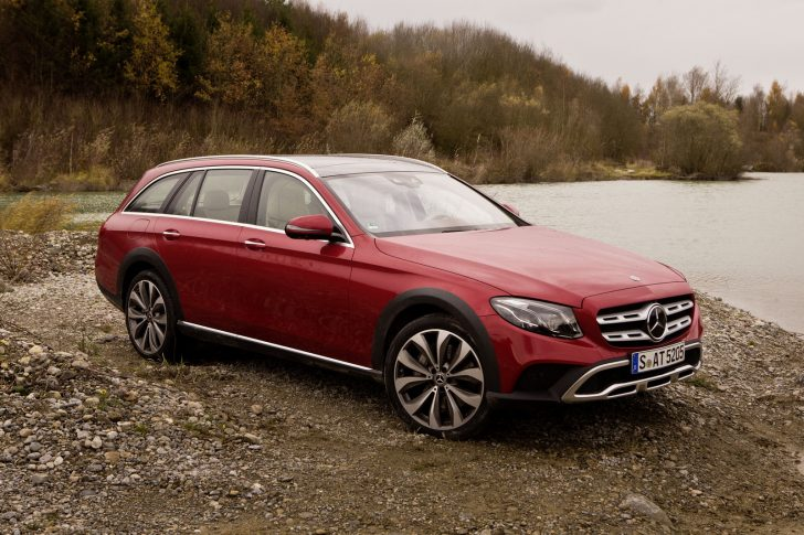 Mercedes-Benz E-Klasse All-Terrain; Outdoor; Exterieur: designo hyazinthrot metallic ;Mercedes-Benz E-Class All-Terrain; outdoor; exterior: designo hyacinth red metallic;