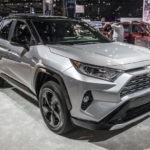 トヨタ「新型 RAV4 Hybrid」発表;実車はもっとイカツかった!