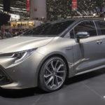 トヨタ「新型オーリス」実車デザイン公開;次世代トヨタデザインに大幅改良!
