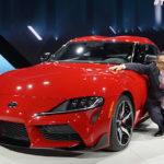 トヨタ「新型スープラ」REDモデルがカッコいい!北米モデルで章男社長とともに登場!