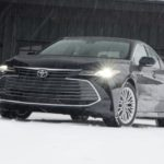 トヨタ「Avalon AWD 2021」は限界大型グリルで口が避けそう?!